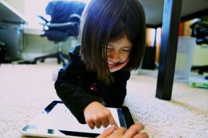 Is there a Safe Communication App my child can use?