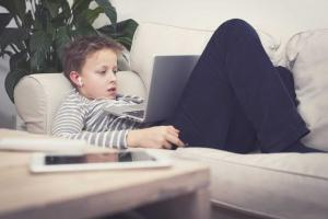 Helping your Child Deal with Peer Pressure in the Digital World