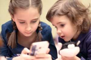 Is There a Right Age to Allow a Child to have a Smartphone?