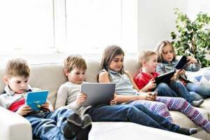 Sharing Live Content Online: How to keep your child safe!