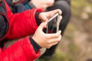 Smartphones and Kids: How to Stay Safe!