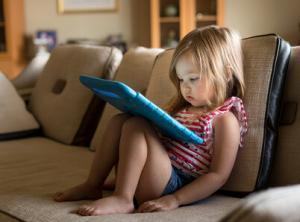Keeping Kids Safe Online this Summer!