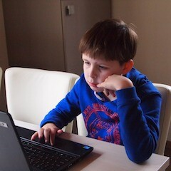 How to Stay in Touch with What Kids are Doing Online!